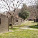 El albergue y campamento juvenil Emperador Carlos V se encuentra en el Valle del Jerte de Cáceres, junto a la entrada de la Reserva Natural de la Garg