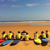 Campamento NaturEnglish de inglés y surf en Santoña