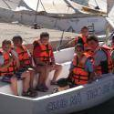 Alea Ocio ofrece en verano 2019 su campamento náutico en el Club náutico de Águilas, Murcia, para niños y jóvenes de 8 a 17 años en turnos quincenales
