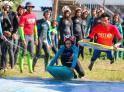 Campamentos De Surf De Artsurfcamp Surfeando En La Pradera